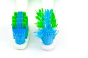 Gute und schlechte Zahnbürste