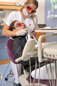 Professionelles Bleaching in der Zahnarztpraxis